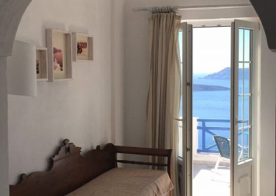 Greek Cycladic traditional rooms bed and breakfast_opt