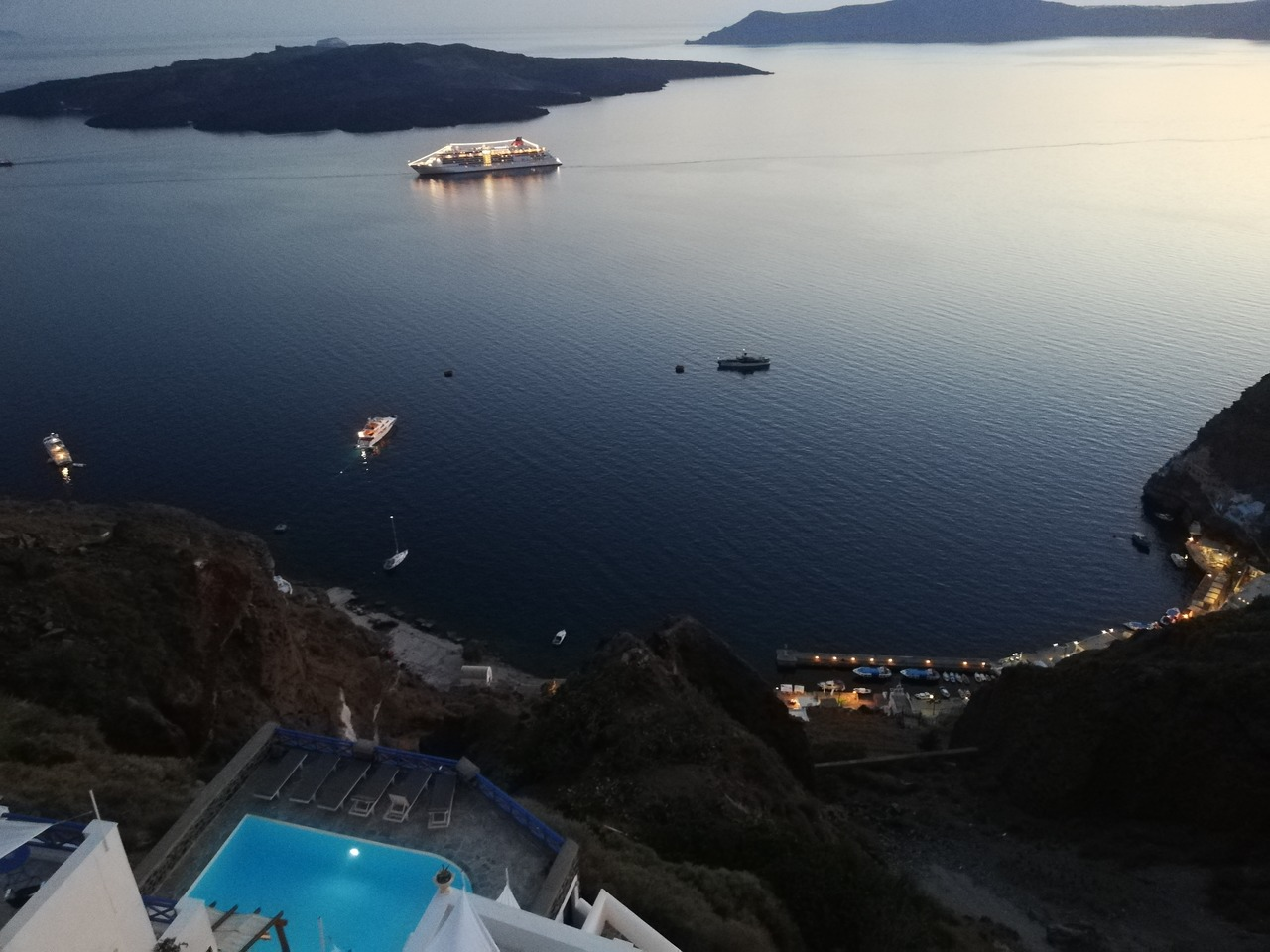 SEA VIEW POOL CALDERA FIRA